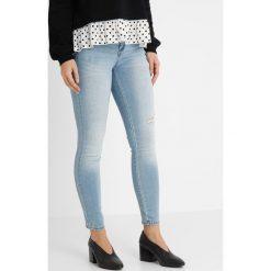 Only Petite ONLCARMEN  Jeans Skinny Fit light blue denim. Niebieskie rurki damskie Only Petite, petite. Za 169,00 zł.