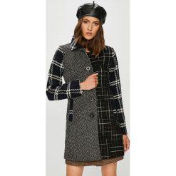 Desigual - Płaszcz. Szare płaszcze damskie wełniane marki Desigual, l, casualowe, z długim rękawem. Za 799,90 zł.