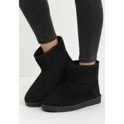 Czarne Śniegowce Simply Black. Czarne buty zimowe damskie Born2be, na niskim obcasie. Za 34,99 zł.