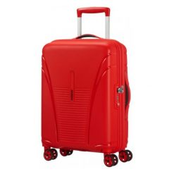 American Tourister Walizka Skytracer Czerwona. Czerwone walizki marki American Tourister. W wyprzedaży za 399,00 zł.