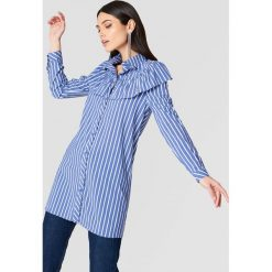 Koszule wiązane damskie: Glamorous Koszula z falbanką na ramionach – Blue,Multicolor