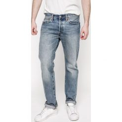 Levi's - Jeansy 501. Brązowe jeansy męskie z dziurami marki Levi's®. W wyprzedaży za 249,90 zł.