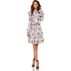 Wzorzysta Sukienka w Pantofelki z Falbankami Typu Cold Shoulder. Brązowe sukienki na komunię Molly.pl, na co dzień, l, z tkaniny, z falbankami. Za 208,90 zł.