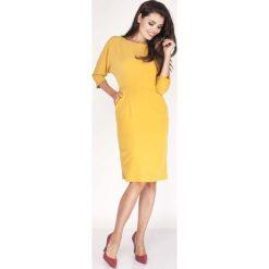 Żółta Sukienka Dopasowana z Kimonowym Rękawem 3/4. Żółte sukienki balowe marki Molly.pl, do pracy, l, z dekoltem w łódkę, dopasowane. W wyprzedaży za 106,86 zł.
