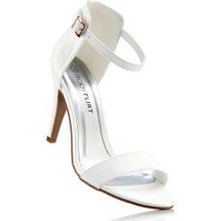 Sandały bonprix biały. Białe rzymianki damskie bonprix, w paski, na szpilce. Za 79,99 zł.