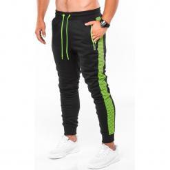 SPODNIE MĘSKIE DRESOWE P730 - CZARNE/ZIELONE. Czarne spodnie dresowe męskie Ombre Clothing, z bawełny. Za 59,00 zł.