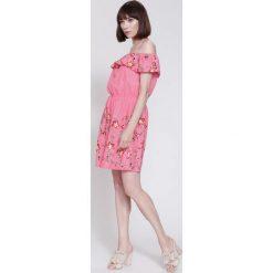 Sukienki hiszpanki: Fuksjowa Sukienka Destiny Place