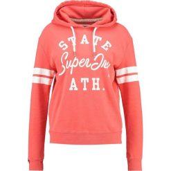 Bluzy damskie: Superdry VARSITY STATE Bluza z kapturem tri red