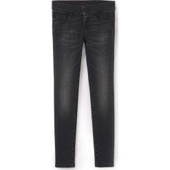 Dżinsy slim 8-16 lat. Czarne spodnie chłopięce Pepe Jeans, z bawełny, z standardowym stanem. Za 249,86 zł.