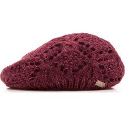 85-HF-005-2 Czapka damska. Czerwone czapki zimowe damskie marki Wittchen, na zimę, w ażurowe wzory, z dzianiny. Za 29,00 zł.