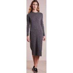 Polo Ralph Lauren Długa sukienka antique heather. Szare długie sukienki Polo Ralph Lauren, m, z dzianiny, polo, z długim rękawem. W wyprzedaży za 944,25 zł.