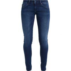 Mavi SERENA Jeans Skinny Fit forest blue ultramove. Niebieskie rurki damskie Mavi. W wyprzedaży za 261,75 zł.