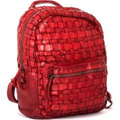 Plecaki damskie: Skórzany plecak w kolorze czerwonym – 26 x 33 x 13 cm
