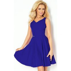 Marina Sukienka z koła - dekolt w kształcie serca - chabrowa. Niebieskie sukienki numoco, s, z materiału, marine, rozkloszowane. Za 159,99 zł.