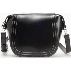 Torebka z regulowanym paskiem - Czarny. Czarne torebki klasyczne damskie Reserved. Za 99,99 zł.