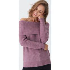 Sweter z odkrytymi ramionami - Fioletowy. Fioletowe swetry klasyczne damskie House, l. Za 79,99 zł.