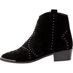 Bronx Botki kowbojki i motocyklowe black. Czarne botki damskie skórzane marki Bronx. Za 609,00 zł.