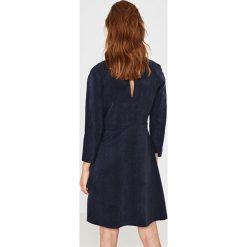 Simple - Sukienka. Szare sukienki balowe marki Simple, z tkaniny, mini, rozkloszowane. W wyprzedaży za 199,90 zł.