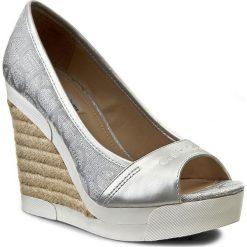Espadryle damskie na koturnie: Espadryle CALVIN KLEIN JEANS - Electra RE9675 Light Silver