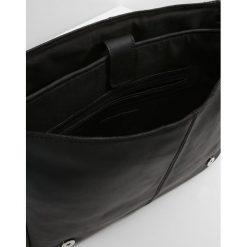 KIOMI Torba na ramię black. Czarne torby na ramię męskie KIOMI, na ramię, małe. W wyprzedaży za 237,30 zł.