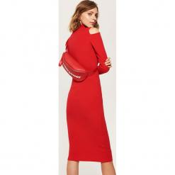 Dzianinowa sukienka z golfem - Czerwony. Czerwone sukienki dzianinowe marki numoco, na ślub cywilny, l, eleganckie, z klasycznym kołnierzykiem, maxi. Za 69,99 zł.