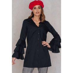 Boohoo Sukienka z marszczeniami na rękawach - Black. Czarne sukienki na komunię marki Boohoo, proste. W wyprzedaży za 36,59 zł.