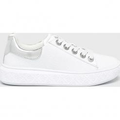 Guess Jeans - Buty. Szare buty sportowe damskie Guess Jeans, z aplikacjami, z gumy. Za 579,90 zł.