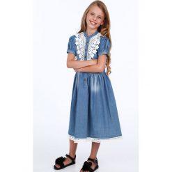 Sukienka dziewczęca jeansowa z gipiurą NDZ3103. Szare sukienki dziewczęce marki Fasardi. Za 59,00 zł.