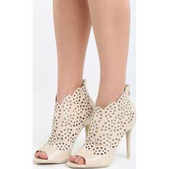Beżowe Sandały La Bella. Brązowe sandały damskie marki Born2be, z materiału, na wysokim obcasie, na obcasie. Za 99,99 zł.