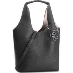 Torebka GUESS - HWVY68 65030 BLA. Czarne torebki klasyczne damskie Guess, z aplikacjami, ze skóry ekologicznej. Za 699,00 zł.