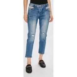 Guess Jeans - Jeansy Vanille. Niebieskie boyfriendy damskie Guess Jeans, z obniżonym stanem. Za 639,90 zł.