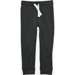 Blukids - Spodnie dziecięce 98-128 cm. Czarne spodnie chłopięce Blukids, z bawełny. W wyprzedaży za 25,90 zł.