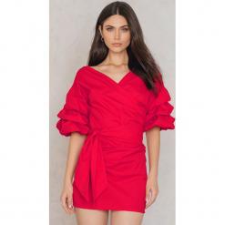 Lioness Sukienka Sicilian Affair - Red. Niebieskie sukienki mini marki Reserved, z odkrytymi ramionami. W wyprzedaży za 72,89 zł.