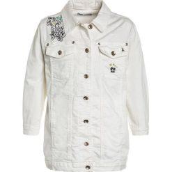 Patrizia Pepe JACKET Kurtka jeansowa milk white. Białe kurtki chłopięce marki Patrizia Pepe, z bawełny. W wyprzedaży za 683,40 zł.
