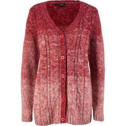 Sweter rozpinany, cieniowany kolor bonprix czerwony chili - perłowy jasnoróżowy. Fioletowe kardigany damskie marki bonprix. Za 89,99 zł.