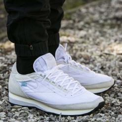 Buty Reebok Classic Aztec x Garbstore (V68949). Białe buty skate męskie Reebok, na wiosnę, z materiału, reebok classic. Za 184,99 zł.