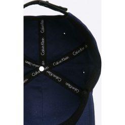 Calvin Klein Jeans - Czapka. Szare czapki z daszkiem męskie marki Calvin Klein Jeans, z bawełny. W wyprzedaży za 139,90 zł.