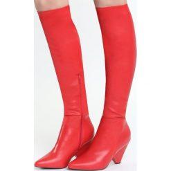 Czerwone Kozaki Turned Off. Czarne buty zimowe damskie marki Kazar, ze skóry, na wysokim obcasie. Za 139,99 zł.