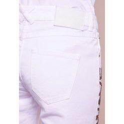 Each x Other POEM  Jeansy Bootcut white. Niebieskie jeansy damskie bootcut marki bonprix. W wyprzedaży za 494,70 zł.