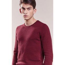 Swetry klasyczne męskie: J.LINDEBERG DEXTER Sweter burgundy