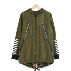 Zielona Kurtka Walking Away. Czarne kurtki męskie marki Born2be, l, z aplikacjami, z dresówki. Za 149,99 zł.