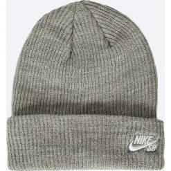 Nike Sportswear - Czapka. Szare czapki zimowe męskie Nike Sportswear, na zimę, z dzianiny. W wyprzedaży za 49,90 zł.