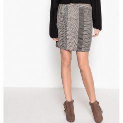 Minispódniczki: Prosta, krótka spódnica z nadrukiem