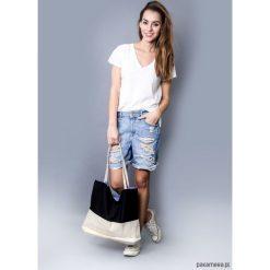 Torba black & white. Białe torebki klasyczne damskie Pakamera, z materiału, duże. Za 95,00 zł.