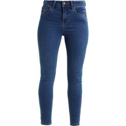 New Look Petite POACH SUPERSOFT SKINNY Jeans Skinny Fit mid blue. Niebieskie rurki damskie New Look Petite, petite. Za 129,00 zł.