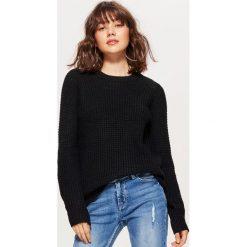 Sweter z drobnym splotem - Czarny. Czarne swetry klasyczne damskie marki Cropp, l, ze splotem. Za 59,99 zł.