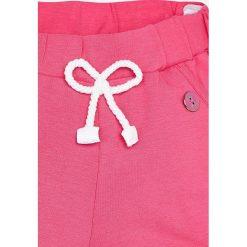 Mayoral - Szorty dziecięce 68-98 cm. Różowe spodenki dziewczęce marki Mayoral, z bawełny, z okrągłym kołnierzem. Za 54,90 zł.