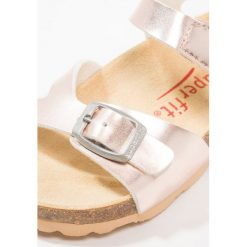 Sandały chłopięce: Superfit FUSSBETTPANTOFFEL Sandały bronze