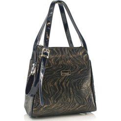Torebki klasyczne damskie: Skórzana torebka w kolorze granatowym – (S)27 x (W)25 x (G)16 cm