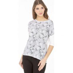 T-shirt z geometrycznym wzorem. Szare t-shirty damskie Monnari, w geometryczne wzory, z wiskozy. Za 47,60 zł.